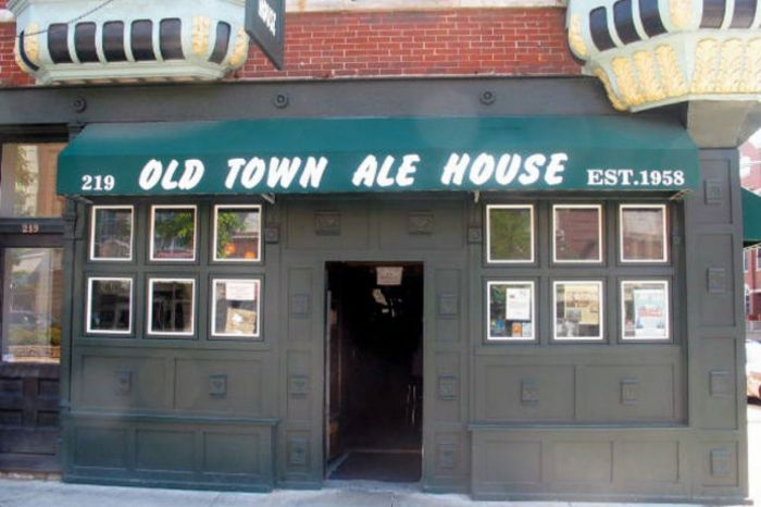 Photo for: Chicago's Favorite Dive - Old Town Ale House